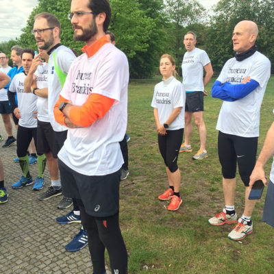 Sightrunning mit internationalen Juristen-Gruppe